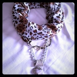 Accessories - Leopard print scarf